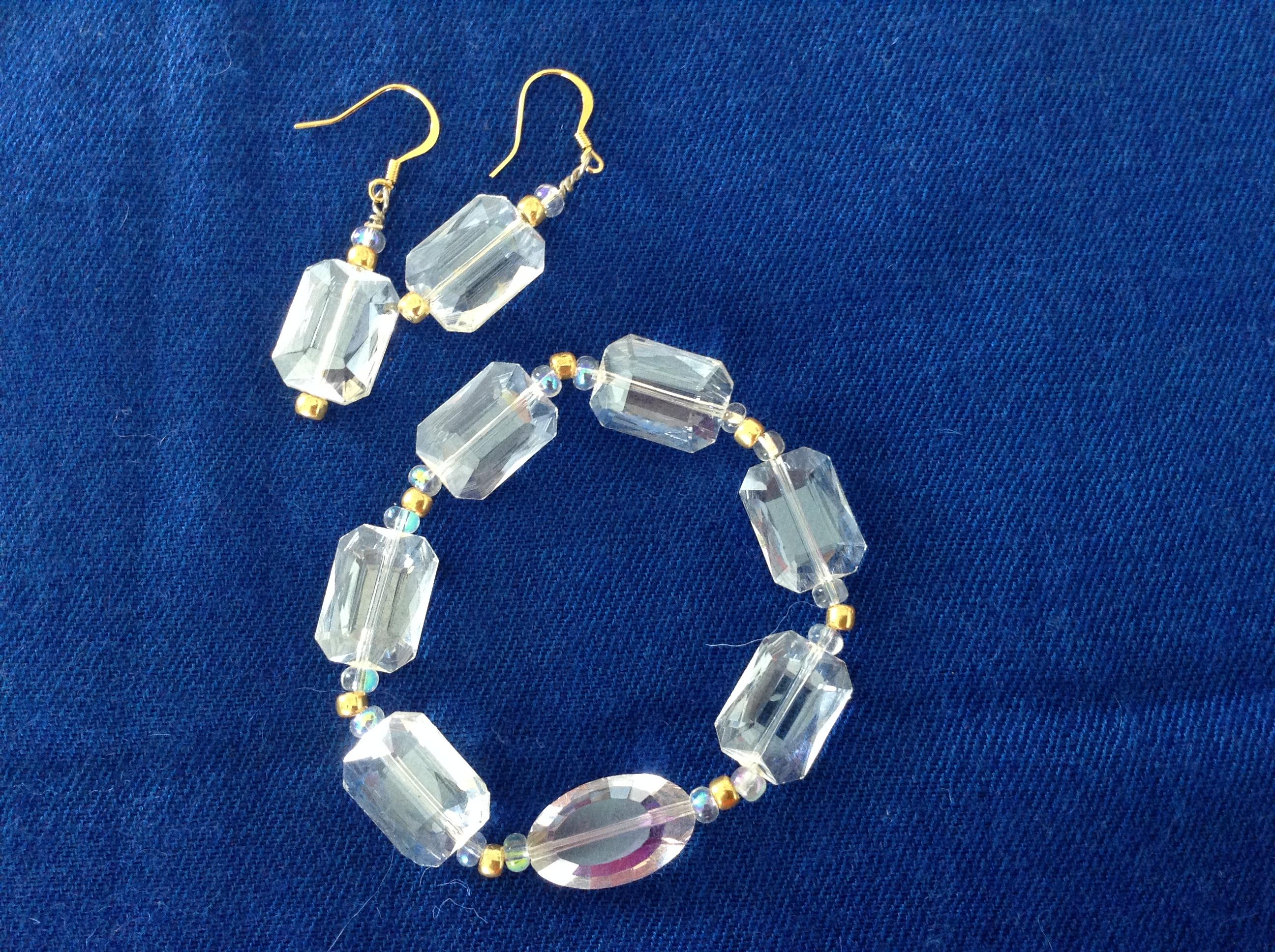 Armband och örhängen av kristall